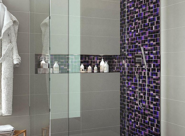Deep purple and blue contrasting glass tile parisma for Deep purple bathroom ideas